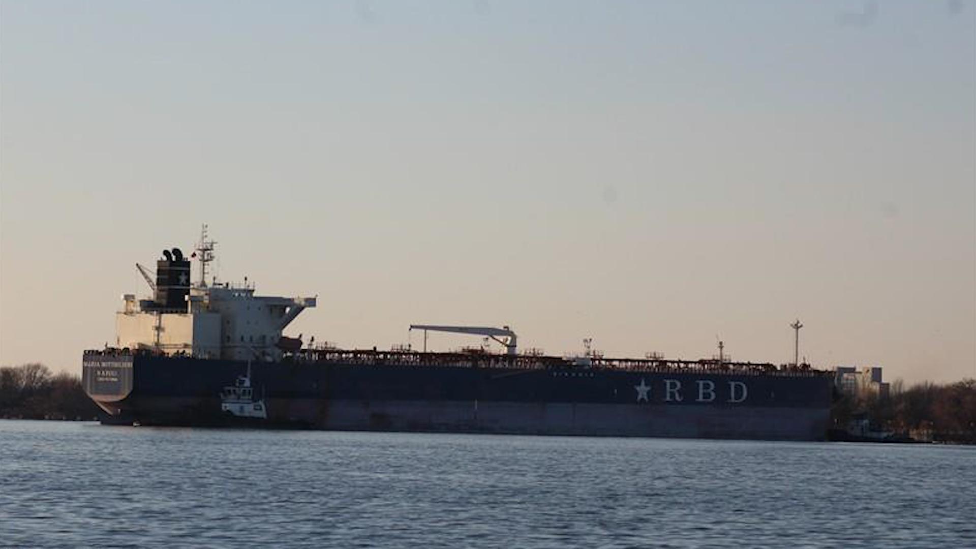 苏伊士运河又堵了?这回惹事的是它
