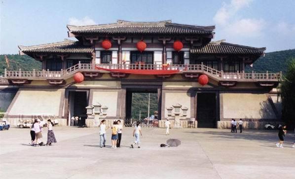 无锡影视基地:三国城