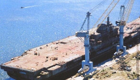 据报道,黑海造船厂自2014年以来就濒临破产状态,靠着政府的免税,补助