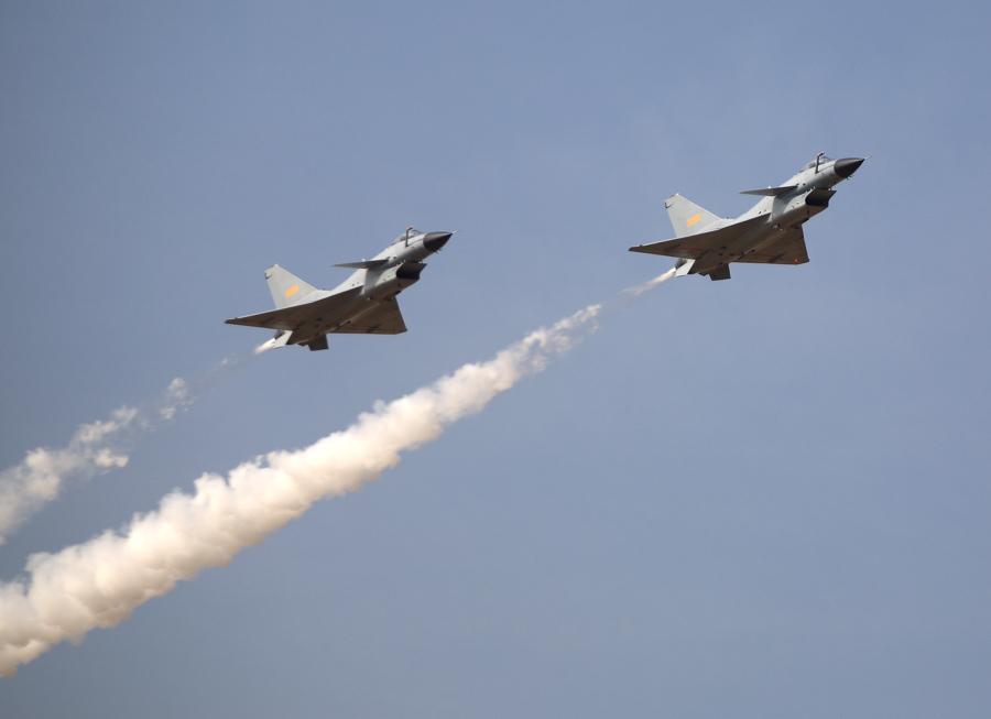 国防部回应歼-10战机在香港近海拦截美巡逻机 - 钟儿丫 - 响铃垭人