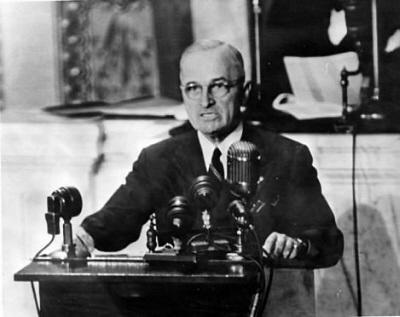 爱因斯坦阻止向日本投原子弹,杜鲁门问了两个问题,让他哑口无言 -  - 真光 的博客