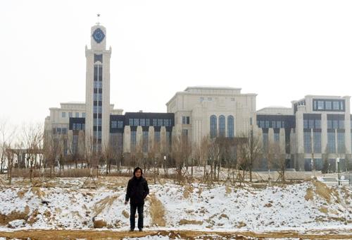 王树忠设计的内蒙古盛乐工业园区管委大楼塔钟
