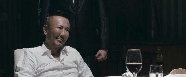 《人中之龙》制作人终于广告中扮演黑帮老大