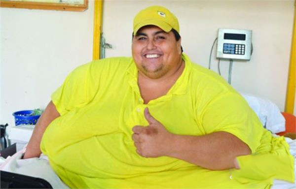世界上最胖的人,看到第3张就惊呆了