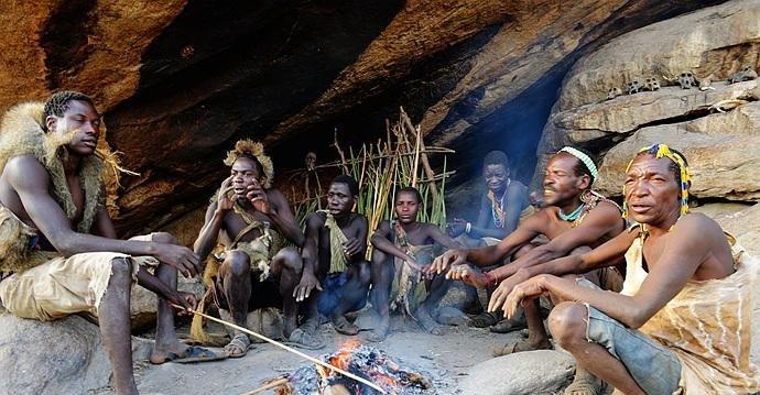"""非洲以""""臀大""""为美部落,不能拒绝男人的需求,至今过着石器时代"""