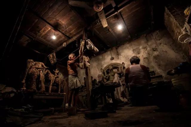 一张家庭照击败15万参赛作品 - 上海云儿 - 一万年太久,只争朝夕。