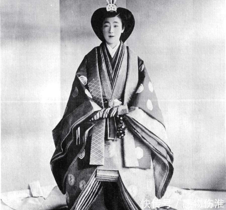 日本天皇裕仁发动了侵华战争,但他的妻子却很值得称道图片