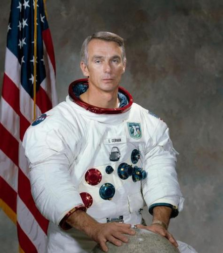 """The former astronaut died in """" the last man to leave footprints on the moon """" Beijing time"""