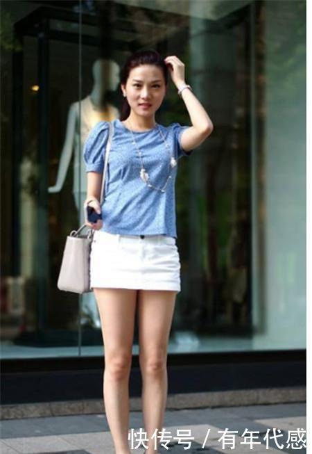 街拍:温文儒雅的小姐姐,仙女般的气质,让人心动的感觉