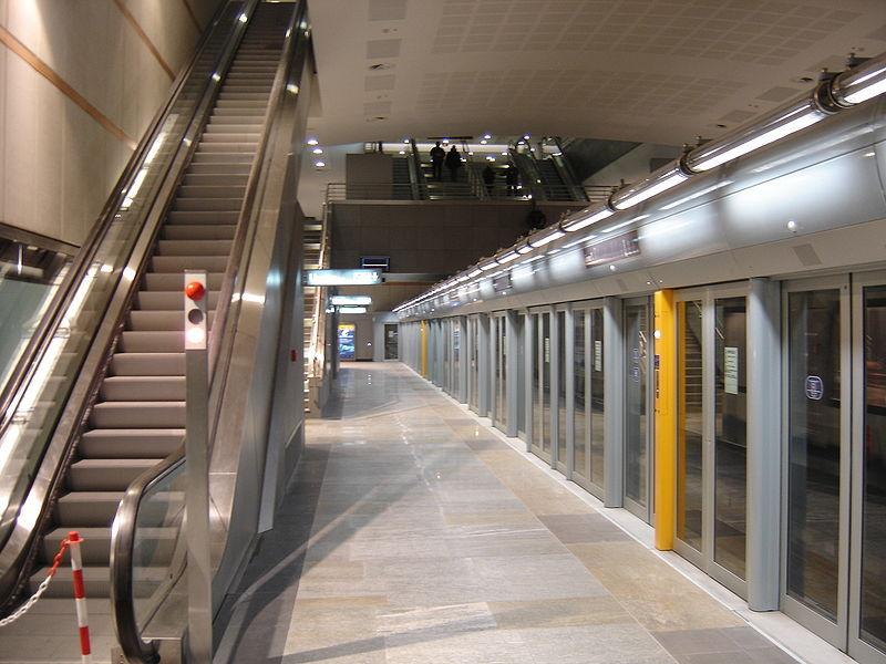 都灵地铁 由于都灵地铁(torinoval)所选用的是val系统,与里尔地铁