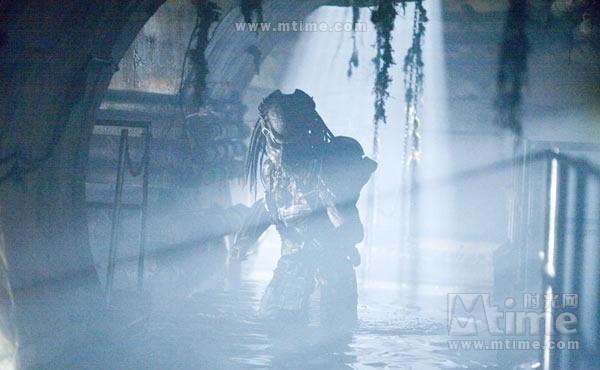 独狼是铁血中的精英老战士,每一次都是成功的执行完任务后返回铁血