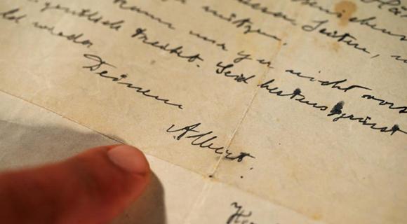 爱因斯坦一封1922年亲笔信被拍卖