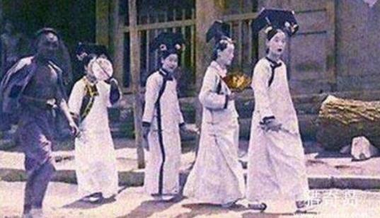 故宫为何四点关门,1992年故宫发生了什么,宫女魅影该如何解释?