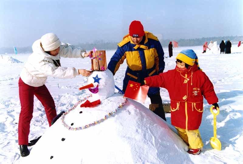 堆雪人实景 需要 * 手套