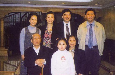 2 家庭状况   祖父:习永盛,河南邓州人,清光绪八年(1882年)受战乱