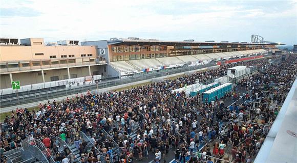 德国一音乐节遭恐袭威胁 民众紧急撤离