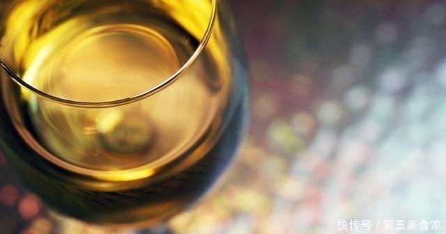 世上最好的解酒药,没有之一,白酒见了都怕,嚼2粒3分钟解酒