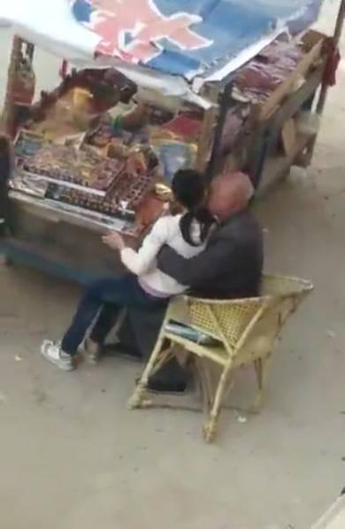 【转】北京时间      七旬老人利用零食占女孩便宜 - 妙康居士 - 妙康居士~晴樵雪读的博客